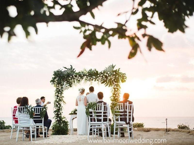 cliff top elope in bali by bali moon wedding